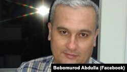 Uzbek journalist Bobomurod Abdullaev's case is seen as a test of President Shavkat Mirziyoev, who has promised reforms, and of his government's commitment to overhauling the justice system.