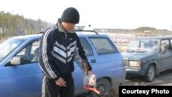 Кыргызский трудовой мигрант в России. 23 апреля 2009 года.