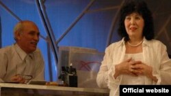 "Дания Нуруллина ""Алты кызга бер кияү"" спектаклендә Хәдичә ролендә"