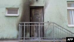 Fotografi e sotme pas sulmit të mbrëmshëm në një xhami në Drezden të Gjermanisë