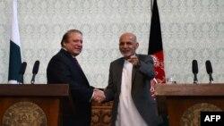 Kryeministri pakistanez, Nawaz Sharif së bashku me presidentin afgan, Ashraf Ghani