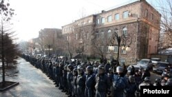 Armenia - Riot police are deployed outside the Central Election Commission building in Yerevan ahead of an opposition rally, 10Dec2015.