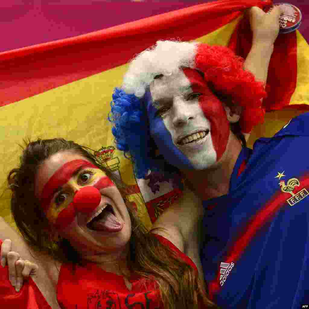 На гандбольный матч между женскими сборными Норвегии и Испании заглянул французский болельщик.