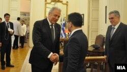 Средба на вицепремиерот за евроинтеграции Фатмир Бесими со министерот за надворешни работи на Грција Димитрис Аврамопулос.
