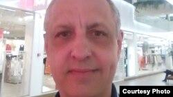 Человек без гражданства Абдрэшид Кушаев в Эстонии.