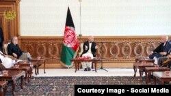 جریان نشست رهبران حکومت وحدت ملی با سران جهادی و چهره های سیاسی.
