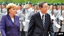 Канцлер німеччини Анґела Меркель та Генеральний секретар ООН Пан Ґі Мун, Берлін, 15 липня 2008 р.