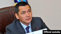 Премиерот Омурбек Бабанов.