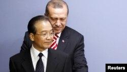 Главы правительств Турции и Китая - Реджеп Эрдоган и Вэнь Цзябао