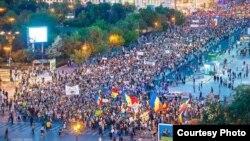 Protesta masive në Rumani, kundër hapjes së minierës së arit në këtë shtet