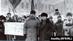 Карим Яушев и Фарит Габдрахим (посередине) в середине 90-х