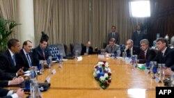 Барак Обама на встрече с лидерами российской оппозиции в Москве