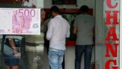 Dollar axtaran ata: 'Neçə gündür əlimdəki manatı dollara çevirib oğluma yollaya bilmirəm'