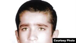 بهنام زارع، به دليل قتلی که در ۱۶ سالگی مرتکب شده، در آستانه اعدام قرار دارد.