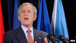 جرج بوش دوشنبه برای مذاکره با مقامات جمهوری چک به پراگ می آید.