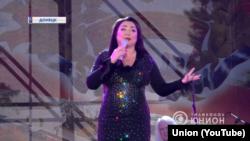 Российская певица Лолита, которой запретили въезд в Украину на три года, также посетила оккупированный Донецк