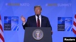 Дональд Трамп на пресс-конференции в Брюсселе.