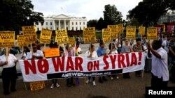 Protesti ispred Bijele kuće protiv moguće vojne akcije u Siriji, Vašington, 29. avgust 2013