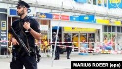 Գերմանիա - Ոստիկանությունը հատուկ գործողության ժամանակ, արխիվ