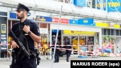 Гамбургдагы немис коопсуздук кызматкери. 28-июль, 2017-жыл