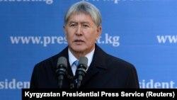 Алмазбек Атамбаев, Қырғызстан президенті. Бішкек, 15 қазан 2017 жыл.