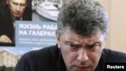 Борис Нємцов під час презентації звіту «Життя раба на галерах», Москва, 28 серпня 2012 року