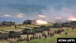 Северокорейские военные на учениях. Фото агентства новостей Северной Кореи KPA.
