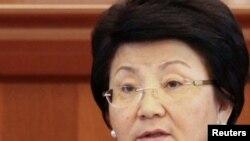 Kyrgyz President Roza Otunbaeva (file photo)