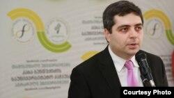 არჩილ კალანდია