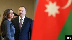 İlham Əliyev seçkilərdə səs verir – 9 oktyabr 2013