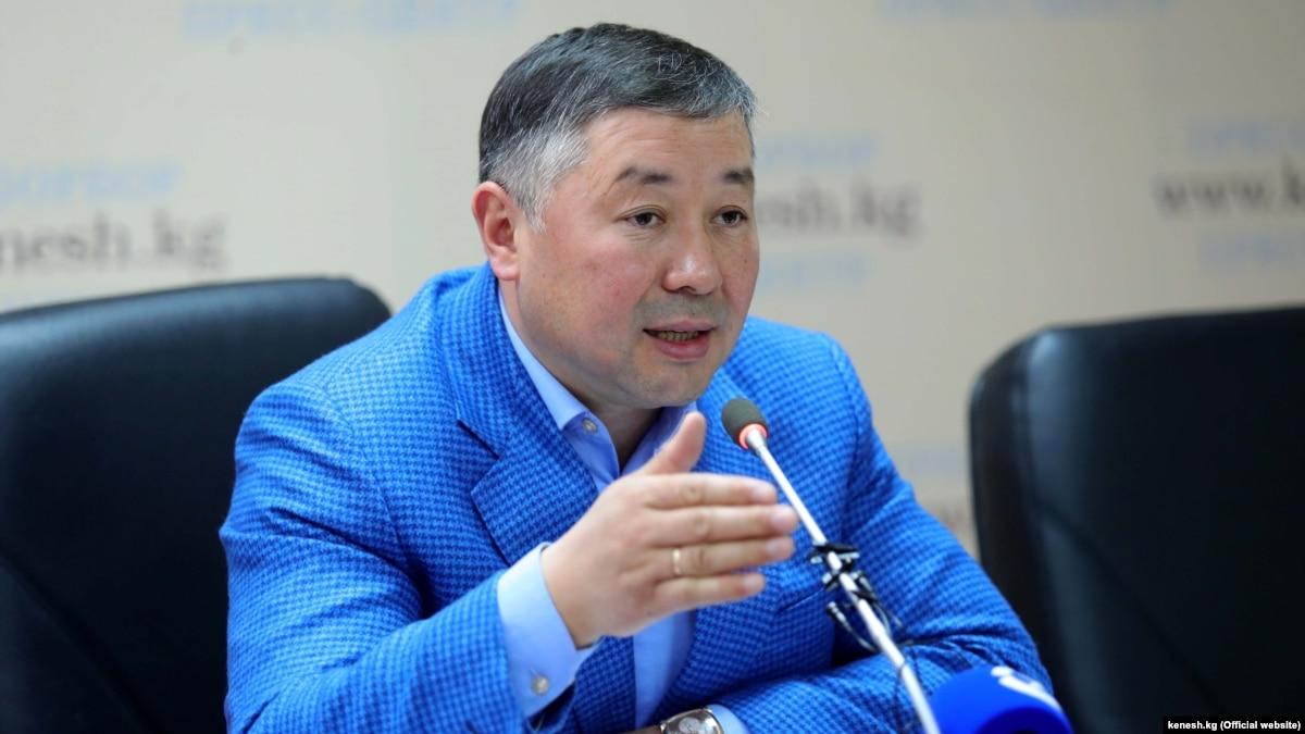 Канатбек ИСАЕВ, «Кыргызстан» фракциясынан Жогорку Кеңештин депутаты: «Атамбаев сый-урматтан эбак кеткен»