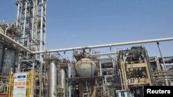 کارخانه پتروشیمی ماهشهر، خوزستان.