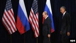 Президент США Барак Обама (праворуч) під час зустрічі з президентом Росії Володимиром Путіним у Нью-Йорку. Вересень 2015 року