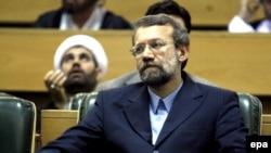 آقای لاريجانی که کماکان سمت نمايندگی آيت الله خامنه ای، رهبر جمهوری اسلامی در شورای عالی امنيت ملی را به عهده خواهد داشت، با به قدرت رسيدن محمود احمدی نژاد، به اين سمت منصوب شده بود.