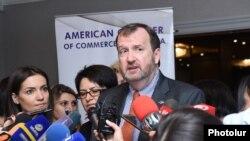 Посол США в Армении Ричард Миллз отвечает на вопросы журналистов, Ереван, 13 сентября 2017 г․