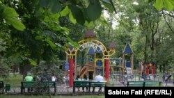 Mariupol, Ucraina 2016. Parc făcut pe banii fabricii de ciocolată fondată de președintele Poroșenko