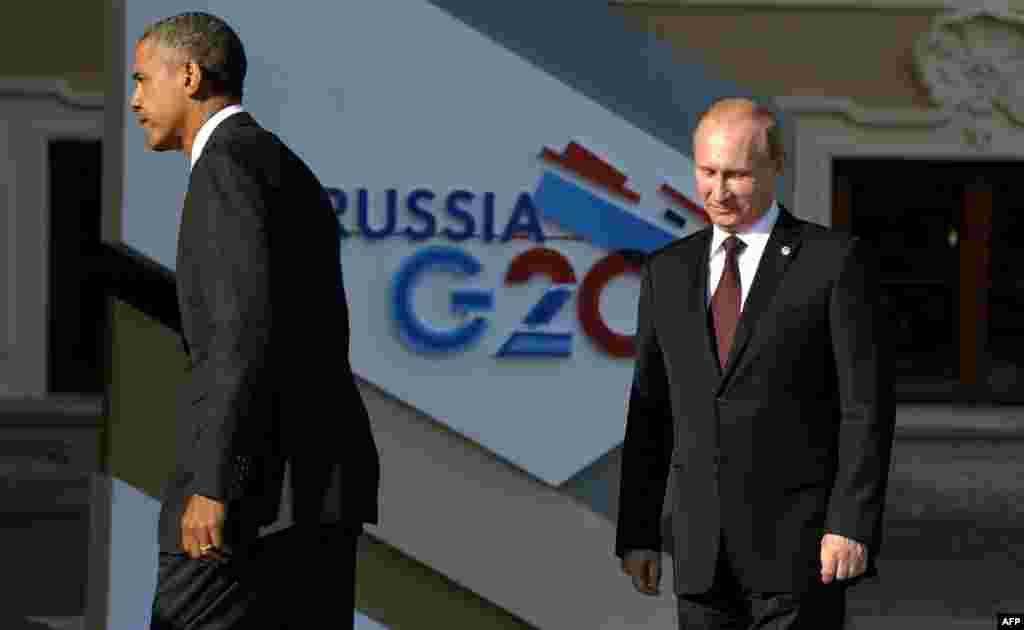 """Вскоре после предоставления убежища Сноудену Барак Обама отменил встречу с Владимиром Путиным. Два президента встретились лишь на саммите """"двадцатки"""" в Санкт-Петербурге."""