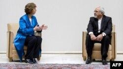 Високиот претставник на ЕУ Кетрин Ештон и шефот на иранската дипломатија Мохамад Џавад Зариф, Женева 15.10.2013.