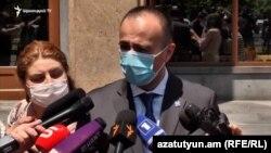 Министр здравоохранения Арсен Торосян отвечает на вопросы журналистов, 3 июля 2020 г.