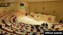 Обсуждали положение осетин в Грузии представители сразу шести парламентских комитетов. Правда, депутатам пришлось больше выслушивать рекомендации, чем делиться собственным мнением
