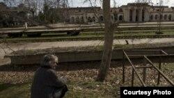 Тема восстановления сквозного железнодорожного движения всплывала в абхазских СМИ не раз. И с течением времени общество все больше утверждалось в отрицательном отношении к нему