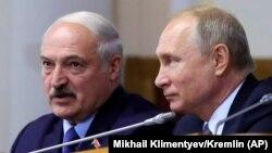 Беларусь президенті Александр Лукашенко (сол жақта) және Ресей президенті Владимир Путин.