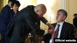 Подготовка к интервью президента КР. Иллюстративное фото