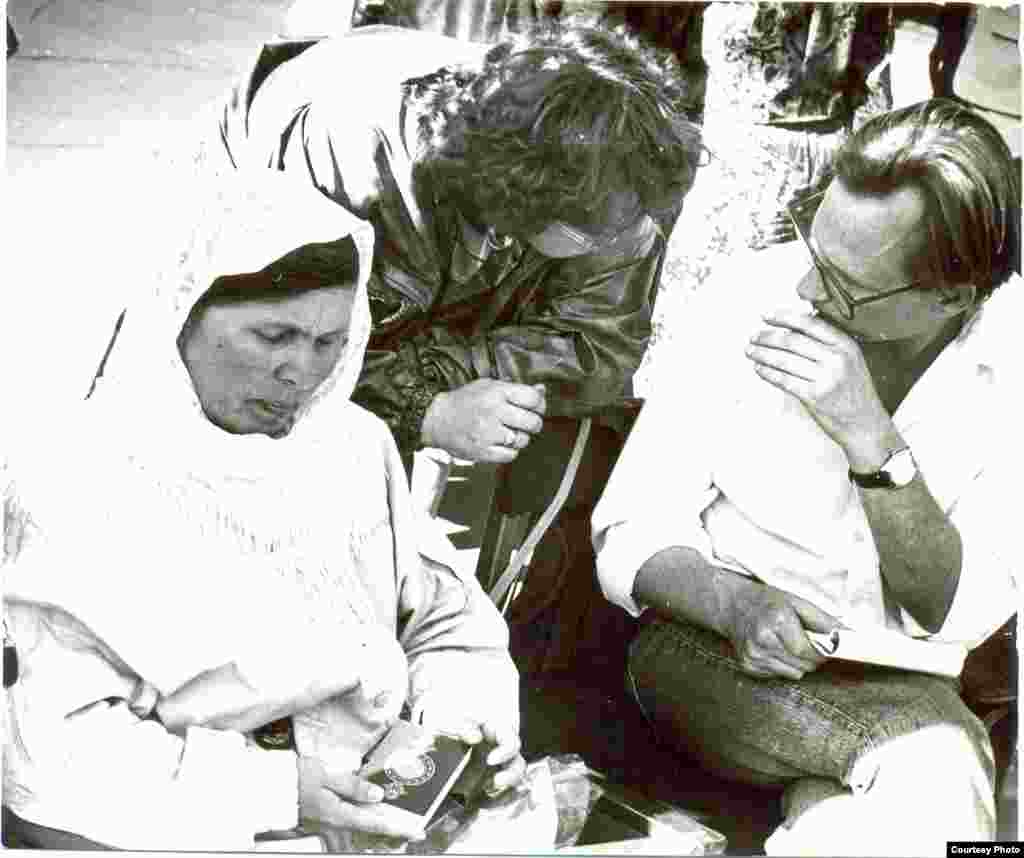 Фәүзия Бәйрәмова Ирек мәйданында ачлык тота