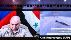 Генерал-полковник Сергей Суровикин участвует в брифинге Министерства обороны России о ситуации в Сирии, 6 сентября 2017 года