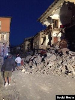 Наступствы землятрусу ў Аматрычэ