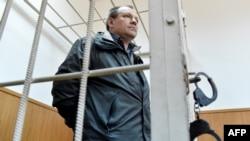 Инженер аэродромной службы Внуково Владимир Леденев в Басманном суде Москвы