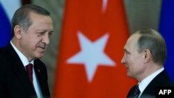 Presidenti i Rusisë, Vladimir Putin dhe ai turk, Recep Tayyip Erdogan