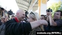 Сустрэча Алеся Бяляцкага з жонкай Натальляй Пінчук