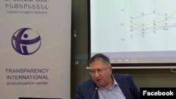 Программный директор антикоррупционного центра Transparency International Варужан Октанян, Ереван, 23 января 2020